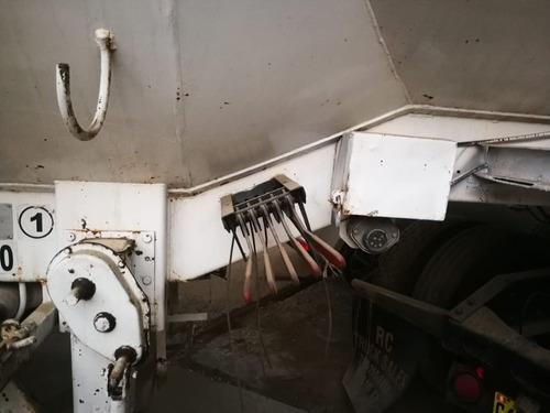 volvo vm 660 con semiremolque con cisterna de combustible
