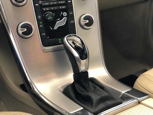volvo xc60 2.4 d5 momentum diesel awd automático