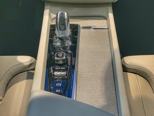 volvo xc60 t8 r-design 2.0 turbo 19/20