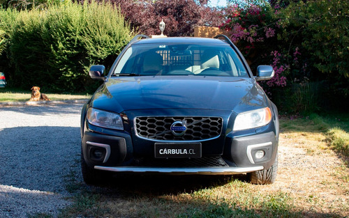 volvo xc70 2.4 d5 diesel awd limited at 5p 2014.