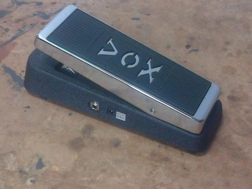 vox v847-classic reissue wah pedal