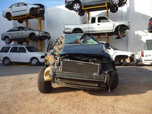 voyager caravan 2002,accidentada,motor 3.3,yonkes
