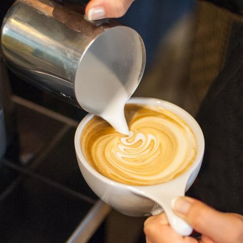vremi mano leche frother varita - pilas café montador y f