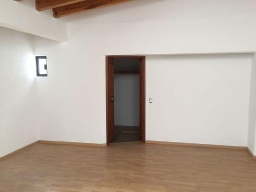 vrt/ casa en venta en jurica