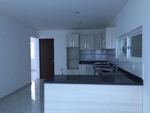 vrt/ hermosa casa en venta en cumbres del lago juriquilla