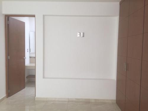 vta casa en residencial el refugio , excelentes acabados