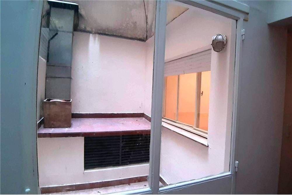 vta - dto 4 ambientes - pb con 2 patios - recoleta