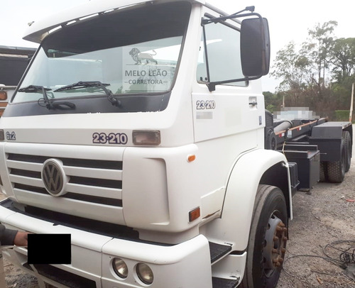 vw 23-210 - 02/02 - truck, roll on ano 2009, pneus bons