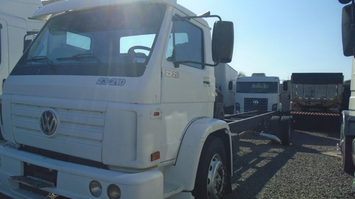 vw 23210 2004  6850000 truck   chassis alongado 10 mts