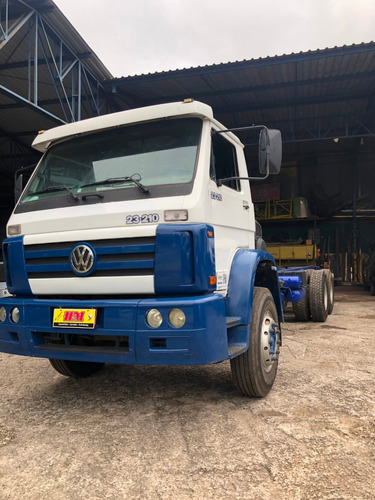 vw 23.210 6x2 chassi ano 04/04 km 295.751