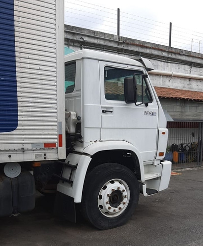 vw  23210  truck  no chassi  ano  2004   para uso interno