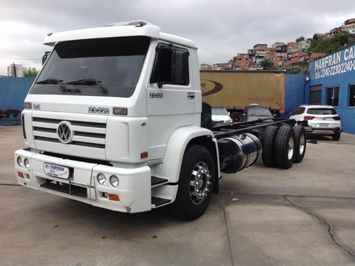 vw 23220 6x2 chassi 7,50