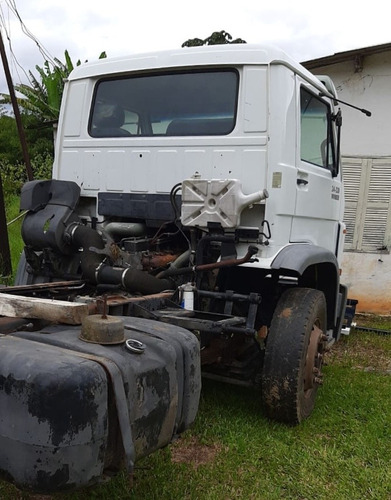 vw 24220 worker  truck  no chassi ano 2011