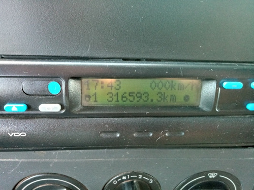 vw 25420 6x2 automatico cor branca com 317mil km