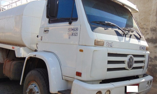vw 26-310 6x4 ano 2004 tanque pipa  montado com pipa