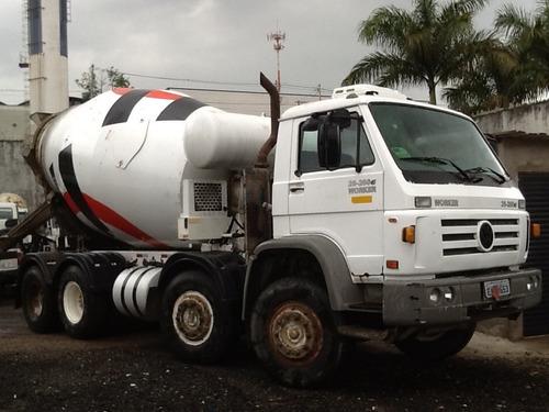 vw 26260e betoneira de concreto ano 2006 4º eixo
