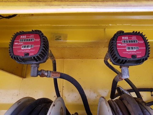 vw 31-330 6x4 ano 2013/2013 comboio lubrificante gascom 10