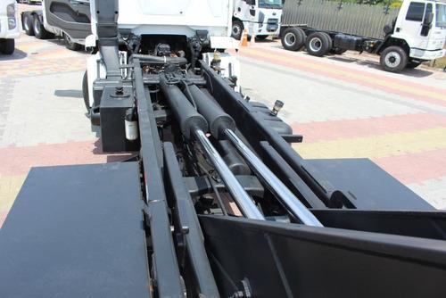 vw 31330 6x4 2013 rollon grimaldi = rolon mb cargo volks