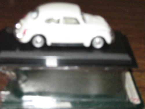 vw beetle miniatura de carro na caixa original