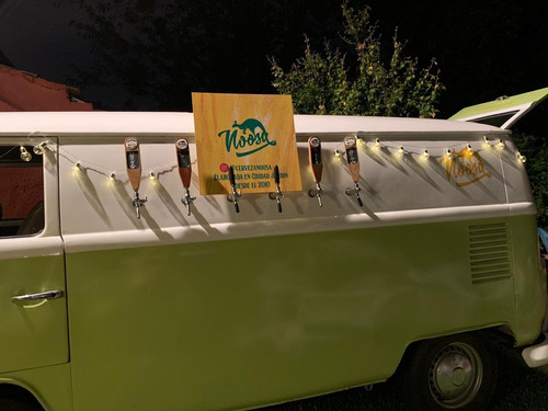 vw kombi 1984 con canillas para cerveza foodtruck  hermosa