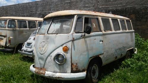 vw kombi antiga corujinha bus antiga baixada no detran