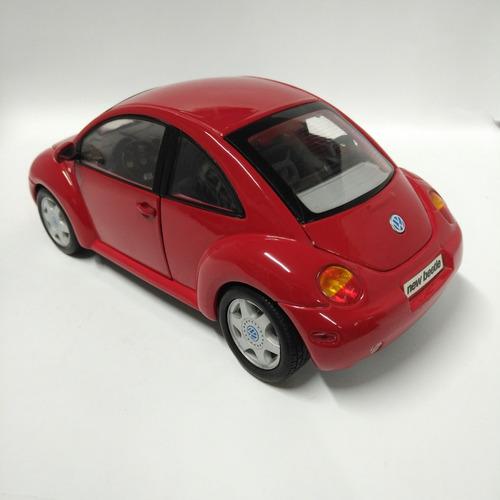 vw new beetle escala 1/18 maisto