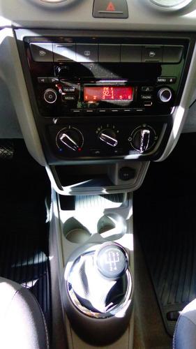 vw volkswagen voyage 1.6 4 puertas  2017 financiado 100% rl