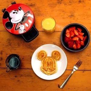 waflera de disney, mickey mouse, rojo