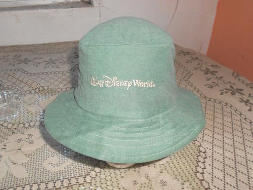 walt disney word***gorra verde***