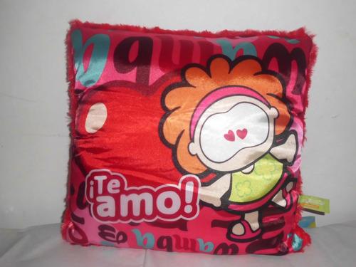 wamba-cowco  almohada   de gusanitos  $390.00