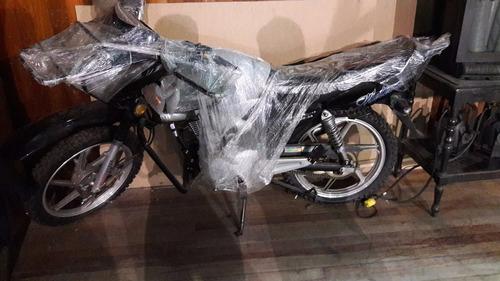 wanxin  color negro  sin usar   placa 7568-5d    3,000 soles