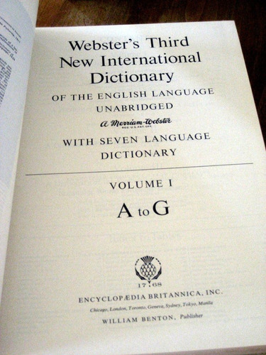 webster's third new international dictionary 3 volumes