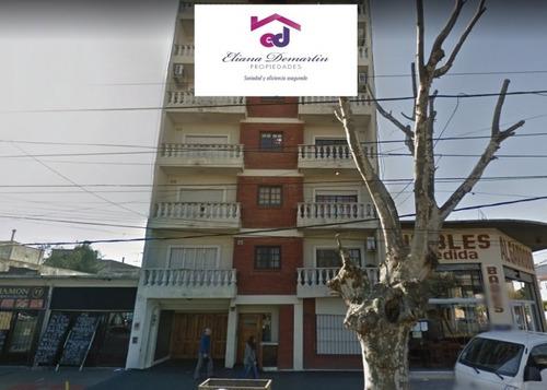 wilde - avellaneda. venta de departamento de 3 ambientes sobre av. mitre. apto credito