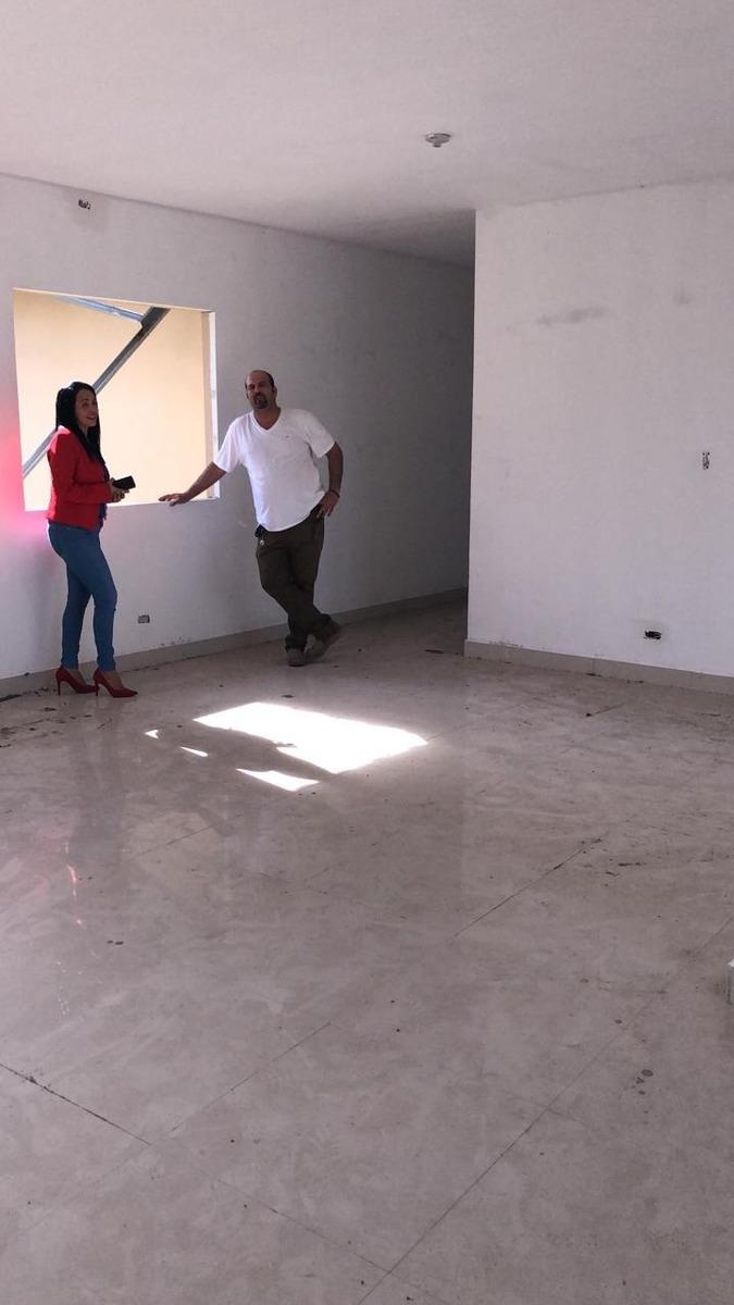 wilma's bienes raíces tiene el residencial hacienda la victo