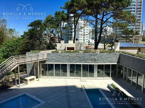 wind tower, 2 dormitorios en suite, toilette, living comedor, cocina, balcón, garage, verano 2018!!
