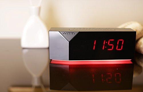 witti beddi reloj de alarma con luz nocturna y 3 puertos usb