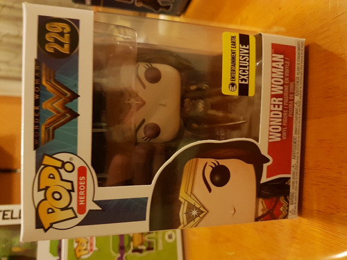 wonder woman movie cloak sepia pop exclusiva rara