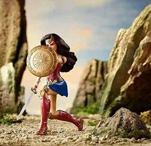 wonder woman  mujer maravilla muñeca fashion dc shield block