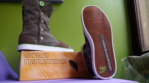 world industries skate ecko dcshoes etnies osiris dunk circa