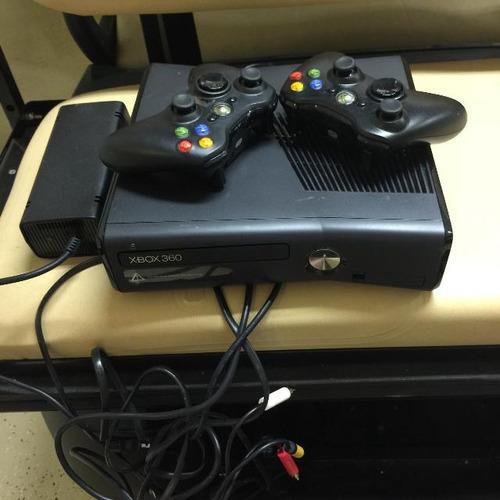 xbox 360 chipeada, 33 juegos en un disco duro y 2 controles