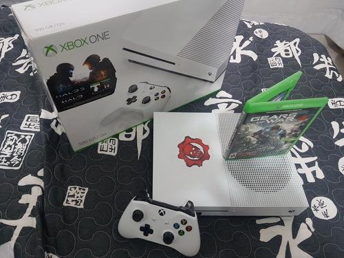 xbox one s + gears of war 4 + halo 5 en caja