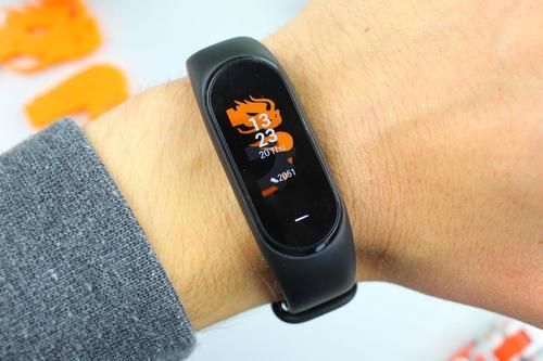xiaomi mi band 4 smartwatch reloj version global español + film protector + malla adicional