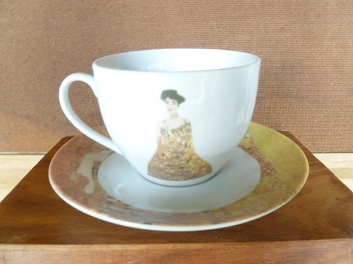 xícara com pires para chá