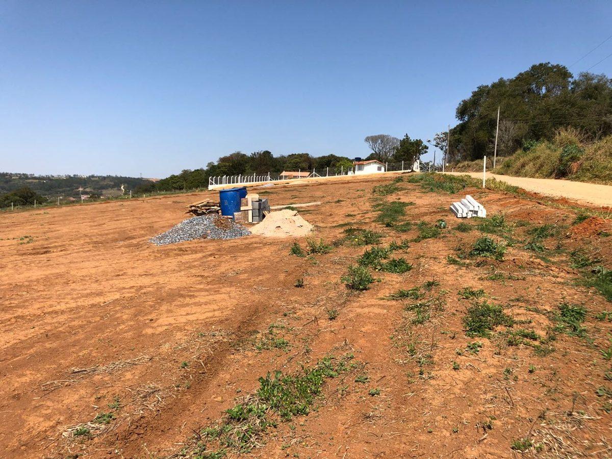 y chácara 1000m² pronto p/construir c/documentação ok água