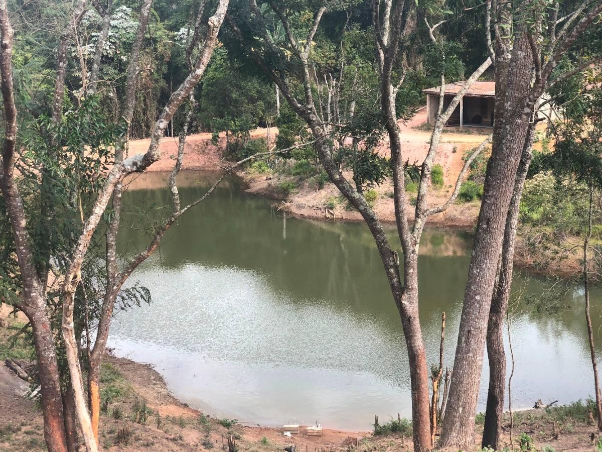 y sua chácara de 1000m² plaino com bosque e lago