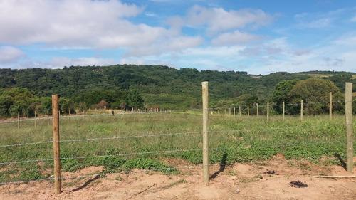 y  vendo terrenos de 1000m² demarcados prontos p/ construir