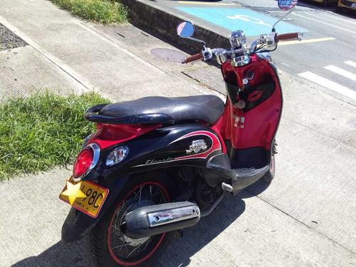 yamaha fino negro-roja 2013