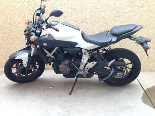 yamaha fz-07 modelo 2015 689 cc blanca