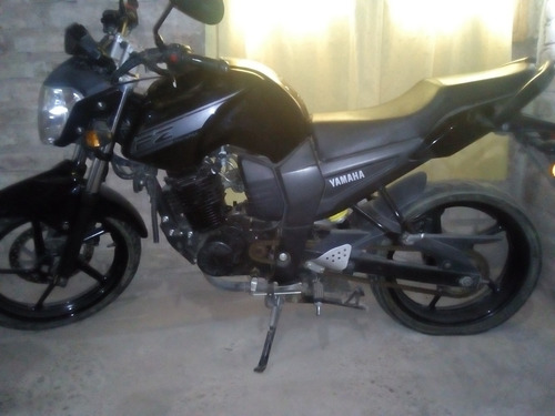 yamaha fz 16 negra