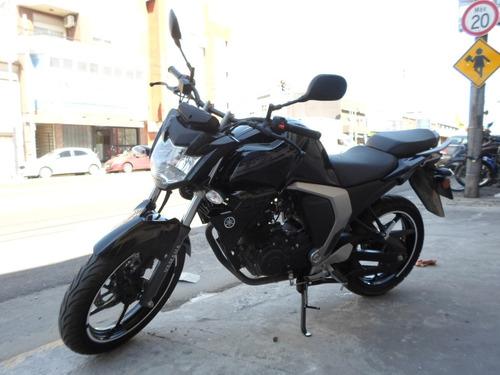 yamaha fz i motos march  impecable